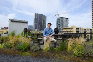 Tom (34) ontwierp zijn eigen woning mét blauw-groen RESILIO-dak